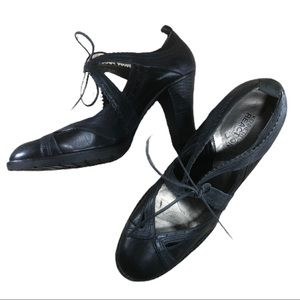 Kenneth Cole Reaction Black Old Style Tie Heels